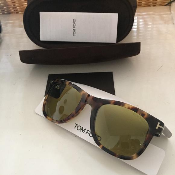 b2b66817c8 Tom Ford Leo Square Sunglasses - unisex